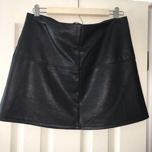 Faux leather skirt, perfect for fall!